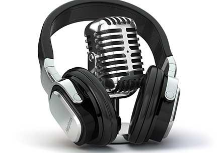 Vintage Mikrofon und Kopfhörer